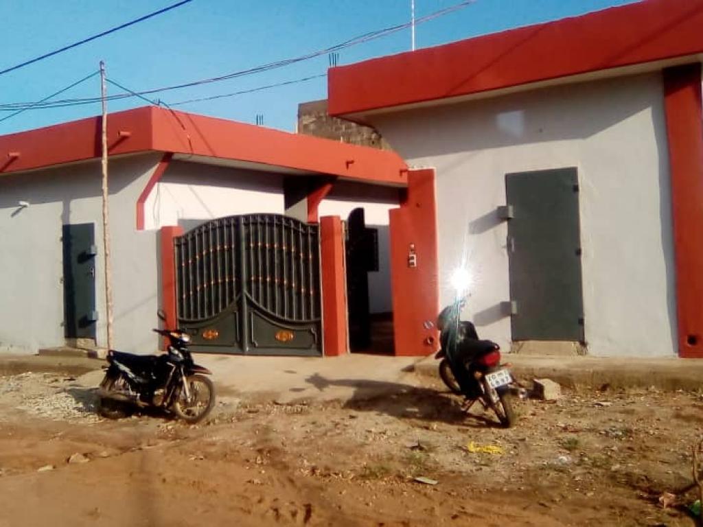 REF12496, Appartement à louer Abomey-calavi