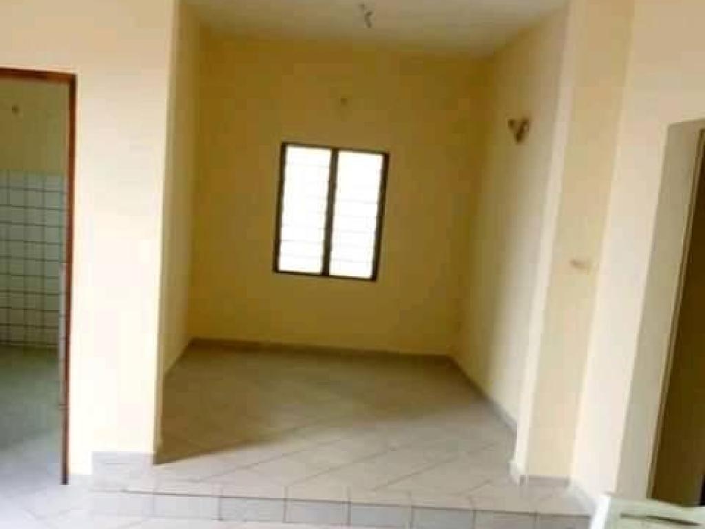 REF12536, Appartement à louer  Aibatin Kpota
