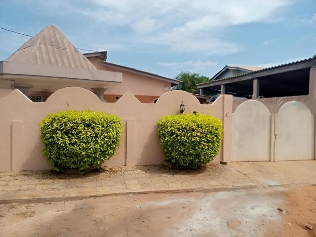 REF12582, Maison à louer Abomey-calavi