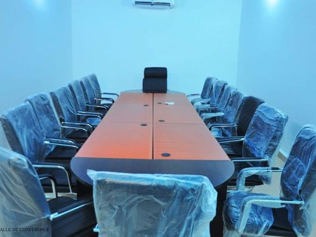 REF16443, Bureaux / locaux professionnels vacance  Zogbo