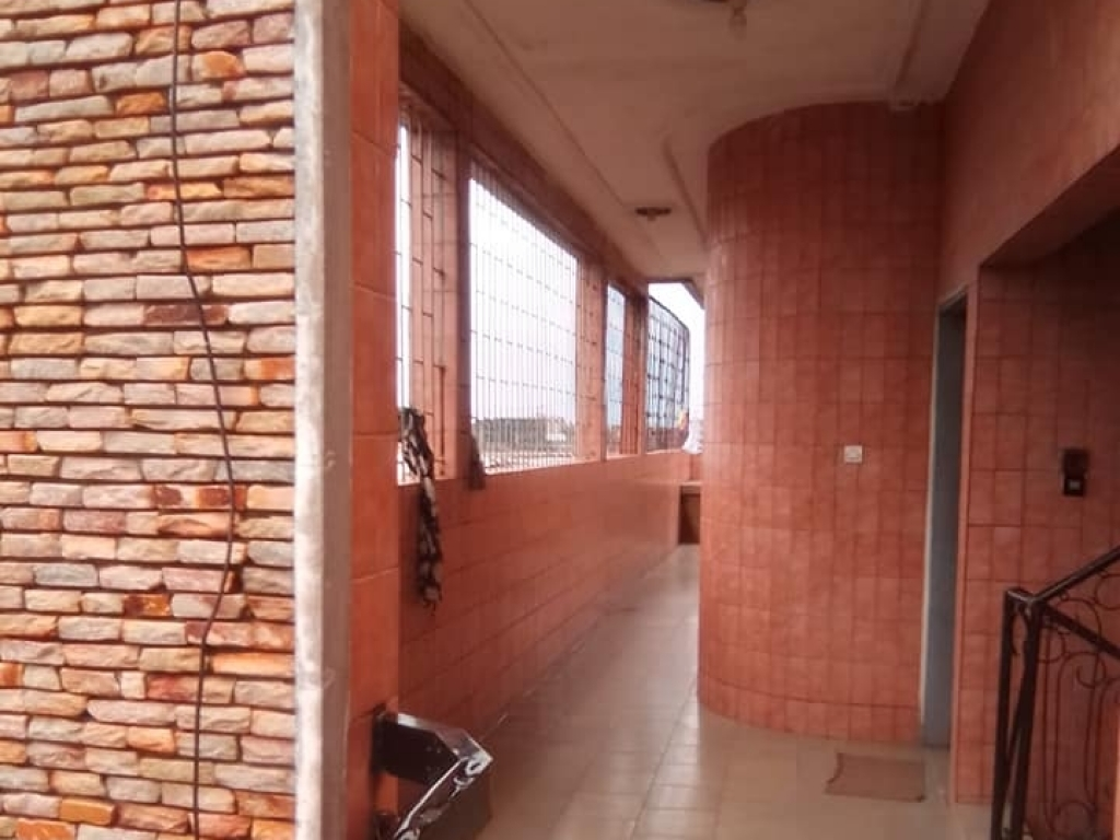 REF4145, Appartement à louer  Midombo